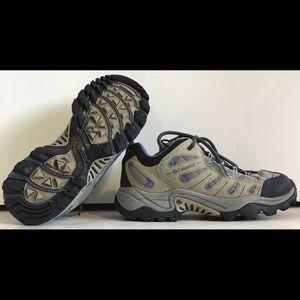 COLUMBIA BLACKROCK Sz 7.5 Hiking/Trail Shoes